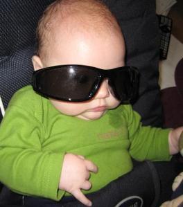 Elise i solbrillor