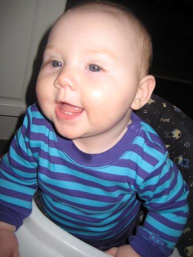 ... Bokstavligen! Första gången jag lyckats fånga tänderna på bild!