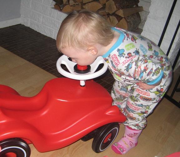 Även bilen får sig en puss!