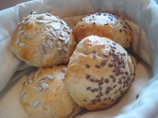 Frukostbullar på fyra sädesslag