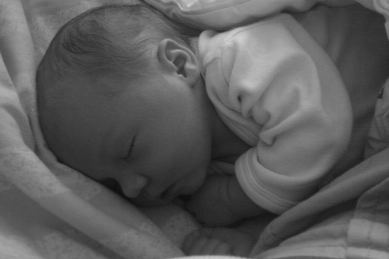 En nyfödd Elise. Så perfekt!